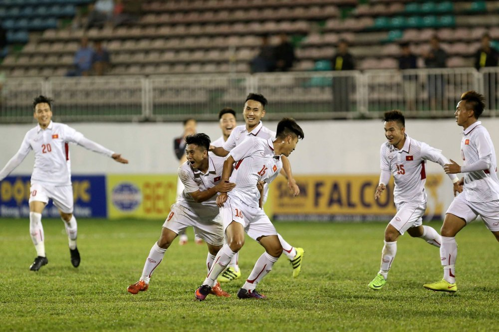 Ghi ban phut bu gio, U19 Viet Nam danh bai doi thu Han Quoc cuc manh hinh anh 2