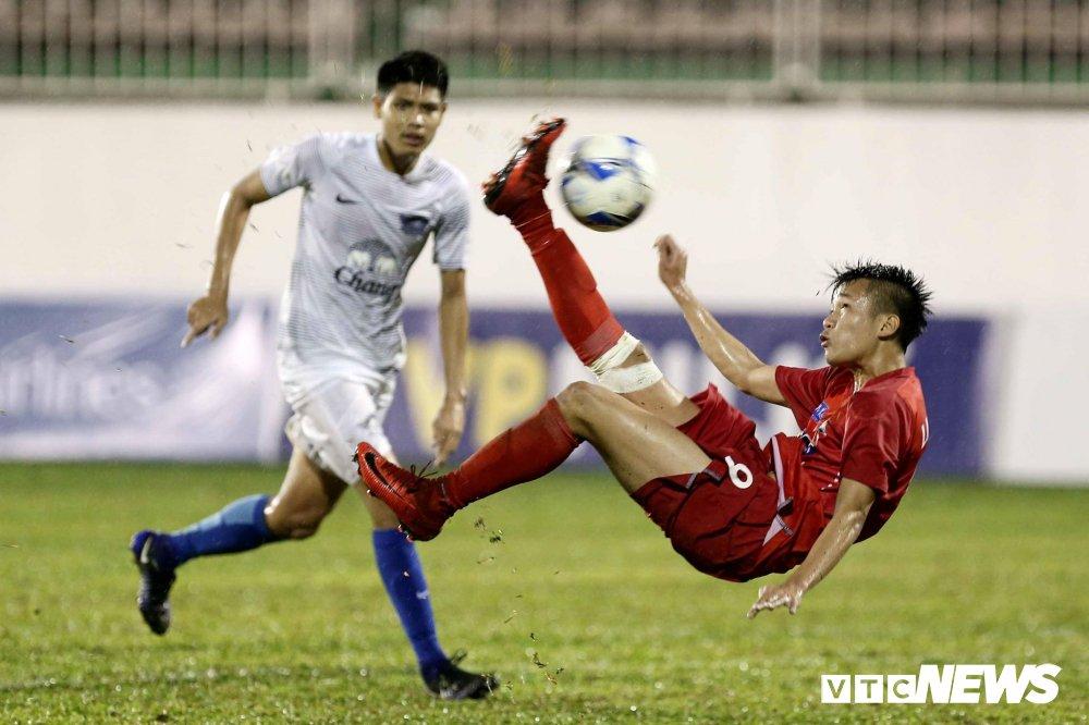 Nghet tho ha doi thu Thai Lan, U19 HAGL tam quen noi buon 'kem xa lua Cong Phuong' hinh anh 1