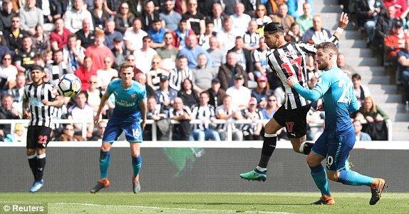 Truc tiep Newcastle vs Arsenal vong 34 Ngoai Hang Anh hinh anh 2