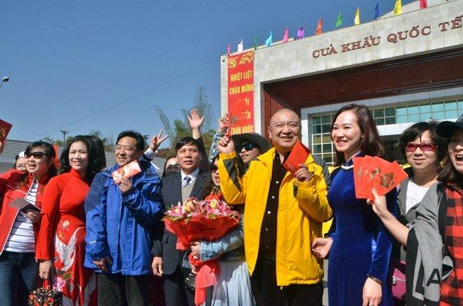 TS. Luong Hoai Nam: Moi nam thu hang ty USD tu khach Trung Quoc, sao lai bai xich ho? hinh anh 4