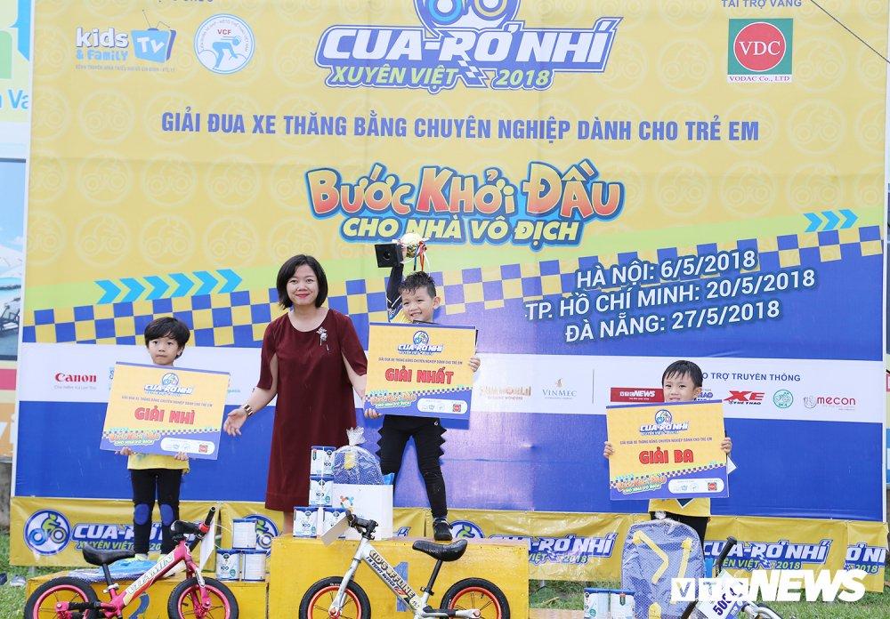 Cua-ro Nhi xuyen Viet 2018: San choi y nghia cho tre em Sai Gon hinh anh 1