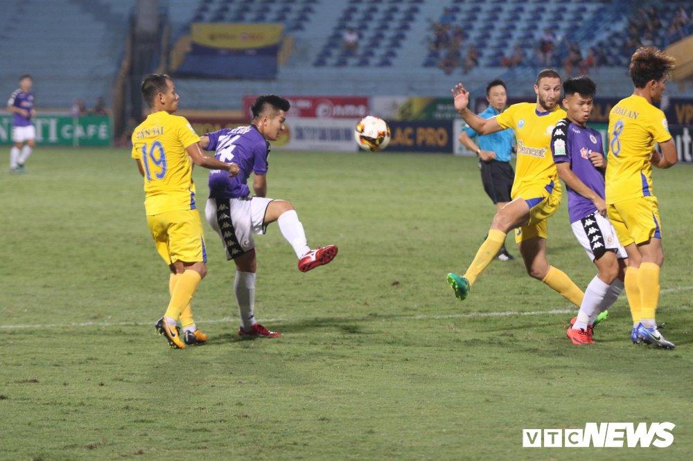 Truc tiep Ha Noi FC vs Sanna Khanh Hoa BVN vong 11 V-League 2018 hinh anh 1
