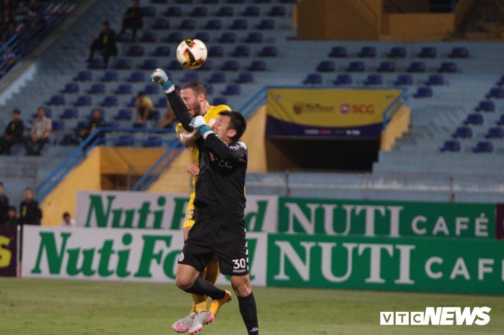 Truc tiep Ha Noi FC vs Sanna Khanh Hoa BVN vong 11 V-League 2018 hinh anh 2