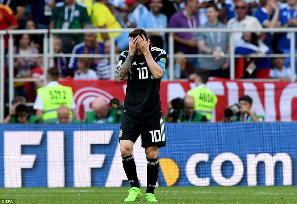 Vong bang World Cup: Nguoi Anh mim cuoi, Duc va Argentina lam nguy hinh anh 3