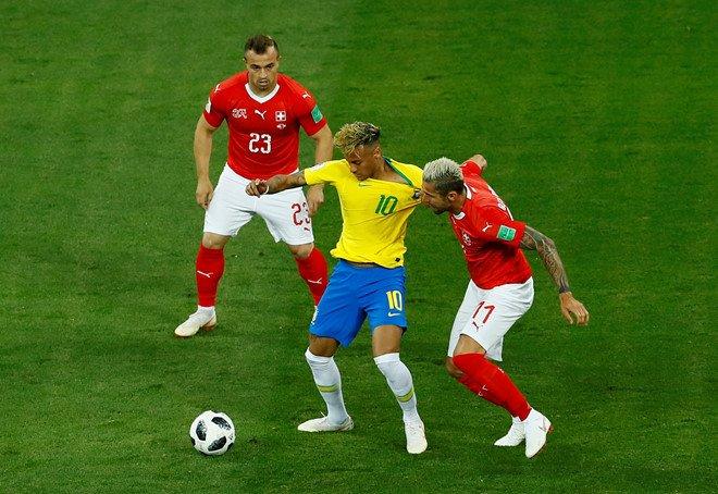 Tien si Le Thong Nhat: Brazil khoa so ngay buon cua dai gia World Cup hinh anh 1