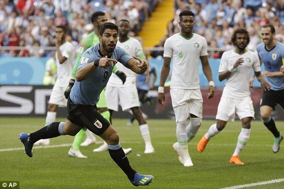 Video ban thang Uruguay vs A Rap Xe Ut, Bang A bong da World Cup 2018 hinh anh 4