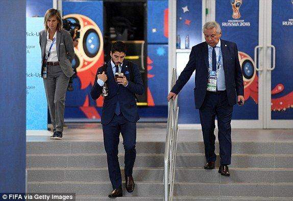 Video ban thang Uruguay vs A Rap Xe Ut, Bang A bong da World Cup 2018 hinh anh 14