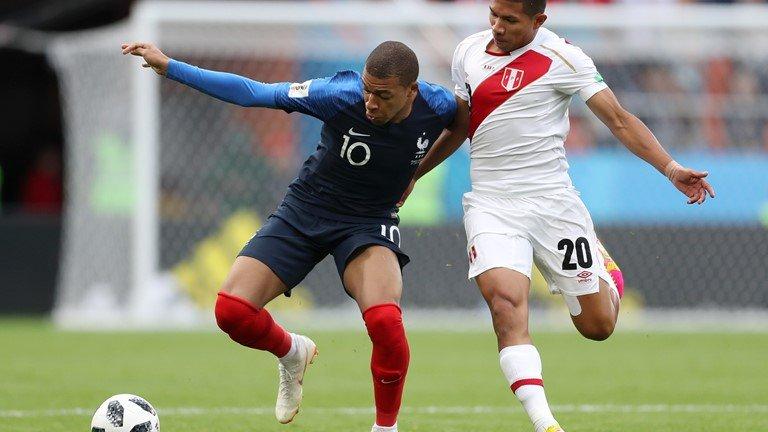 Video ket qua Phap vs Peru: Mbappe toa sang de di vao lich su hinh anh 7