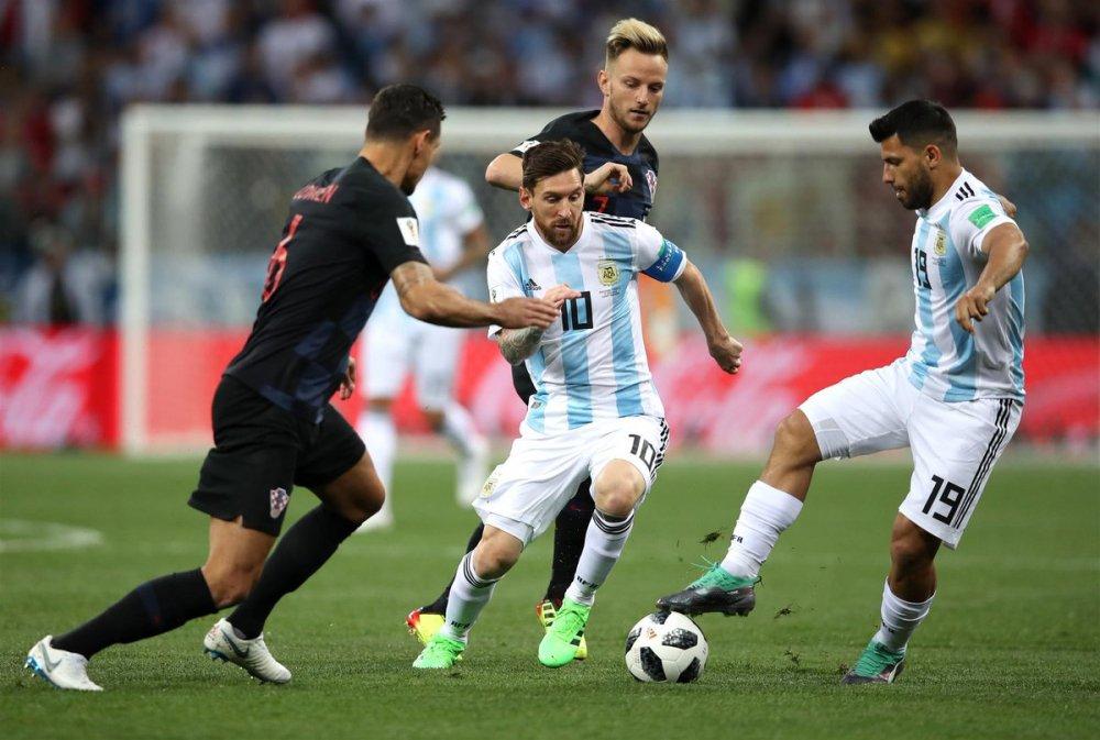 Video ban thang Argentina vs Croatia: Messi vo hai, Argentina thua tham 0-3 hinh anh 6