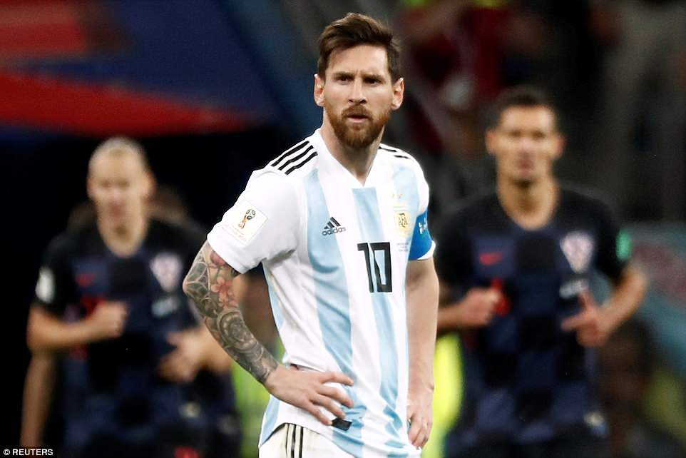 Argentina da the nay, Messi tai den the nao cung chang the cuu noi hinh anh 1