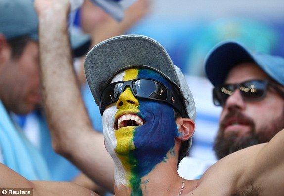 Video ket qua Nga vs Uruguay ty so 0-3: Ngoi dau bang A thuoc ve Uruguay hinh anh 12