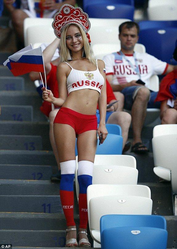 Video ket qua Nga vs Uruguay ty so 0-3: Ngoi dau bang A thuoc ve Uruguay hinh anh 11