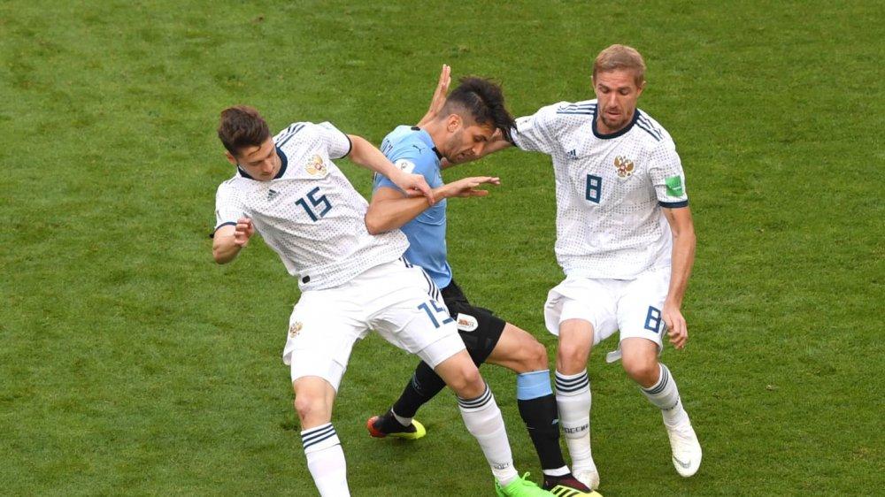 Video ket qua Nga vs Uruguay ty so 0-3: Ngoi dau bang A thuoc ve Uruguay hinh anh 6