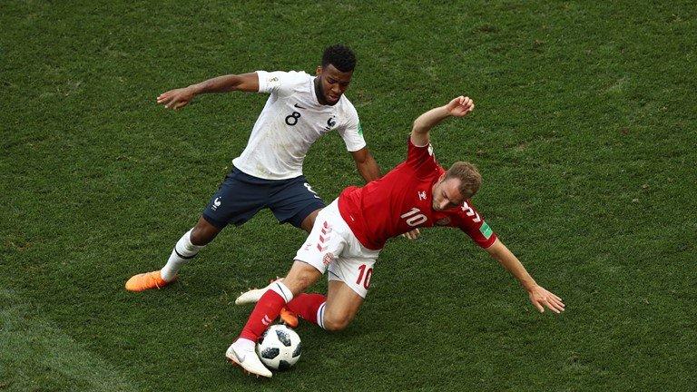 7 van khan gia la o tran dau te nhat World Cup 2018 Phap 0-0 Dan Mach hinh anh 1
