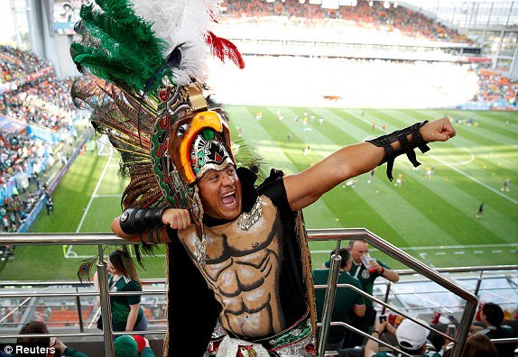 Ket qua Mexico vs Thuy Dien ty so 0-3: Dat tay nhau vao vong trong hinh anh 14