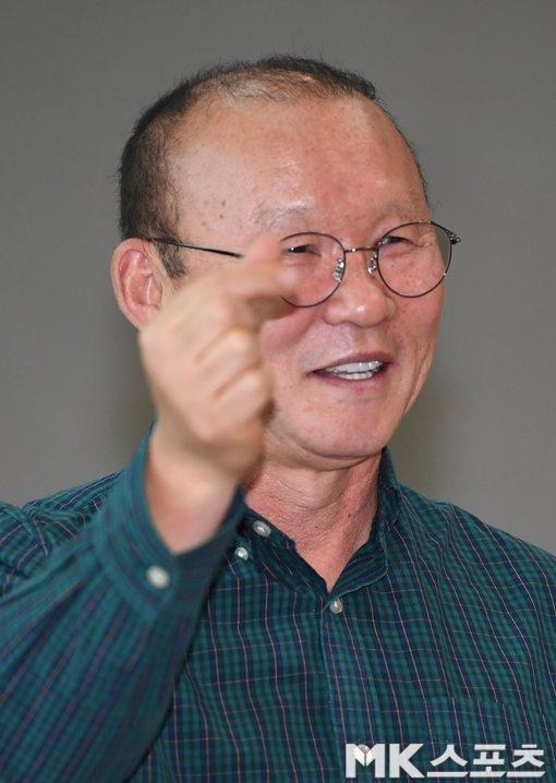 HLV Park Hang Seo: 'Toi se chon lua dan dat tuyen Viet Nam hoac U23 Viet Nam' hinh anh 2
