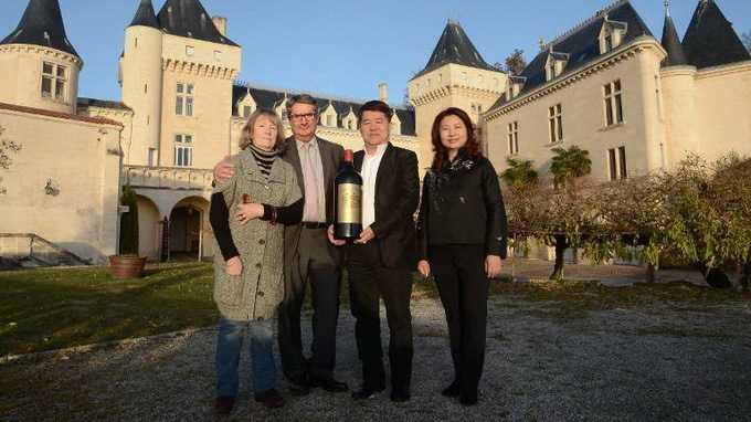 Hai người chủ của lâu đài Chateau de la Riviere đã mất tích trong tai nạn máy bay