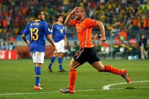 Cái đầu của Sneijder đã đưa Brazil rời World Cup 2010