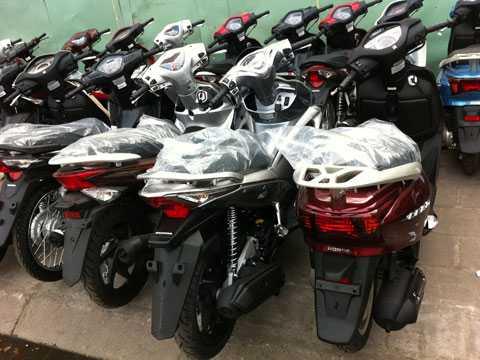 Ế ẩm, thị trường xe máy tại Việt Nam đang tiến dần tới tình trạng bão hòa? Ảnh Khánh Hòa