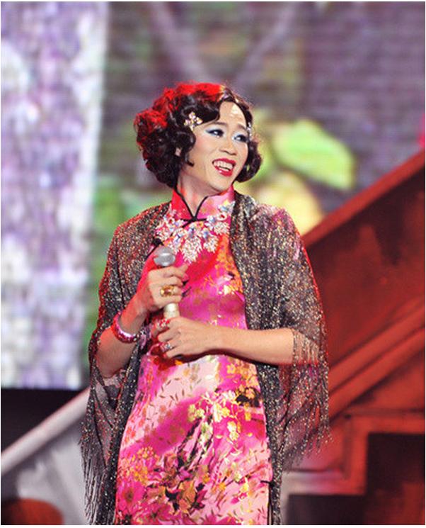 Gần tết, danh hài Hoài Linh có thể chạy tới 10 show/ đêm mà catse một đêm lên tới cả trăm triệu