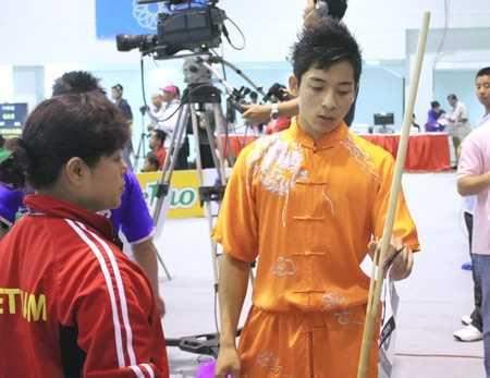 Mạnh Quyền gặp sự cố ở Lào năm 2009