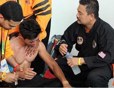 Võ sĩ Malaysia uất ức với sự thiên vị của trọng tài dành cho đối thủ người Myanmar