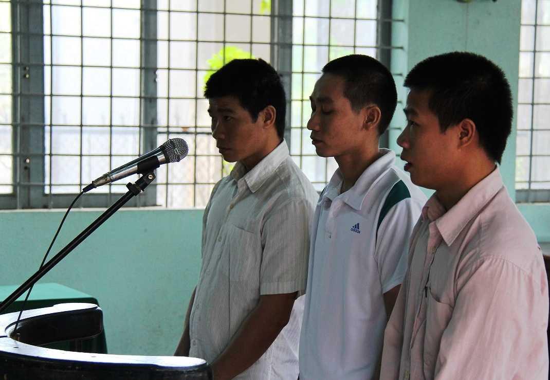 Hưng, Thi và Kết tại phiên tòa sơ thẫm xét xử lưu động