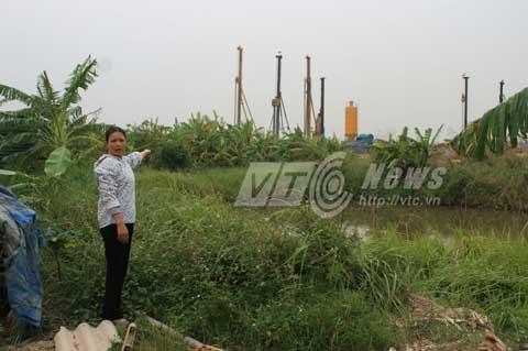 Chưa nhận tiền đền bù nhưng 5 hộ dân đã bàn giao đến 80% mặt bằng cho đơn vị thi công - Ảnh: Minh Khang