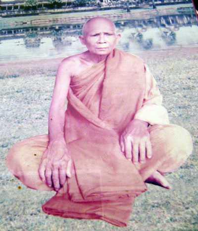 Thánh sư Chau Som, người đã từng sở hữu cây huyết ngải độc thần tướng