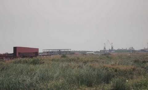 Dự án đóng tàu của Tổng Cty CNTT Nam Triệu hiện bỏ hoang.