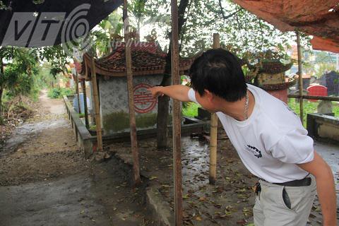 Con mương cạnh nghĩa trang nơi ông Đỗ Văn Phiên phát hiện ra con trăn