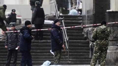 Lực lượng an ninh tại hiện trường vụ đánh bom nhà ga thành phố Volgograd hôm 29/12. Ảnh: Reuters
