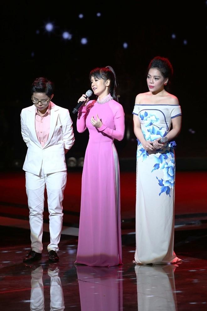 Hồng Nhung hứng chịu phản ứng của khán giả khi quyết định dành 100% số điểm cho Vũ Cát Tường