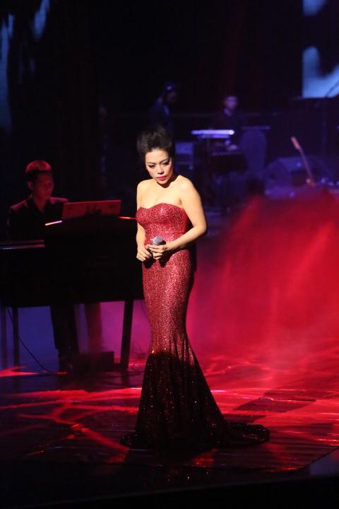 Hà Linh có phần trình diễn tốt nhất đêm bán kết 2