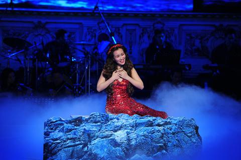 Bùi Anh Tuấn và Võ Hạ Trâm để lại ấn tượng cho khán giả bởi giọng hát nhẹ nhàng, trong sáng.