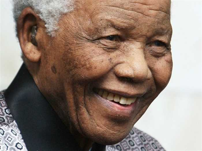 Tổng thống Nam Phi Nelson Mandela đã qua đời ở tuổi 95 sau khoảng thời gian dài chiến đấu với bệnh viêm phổi