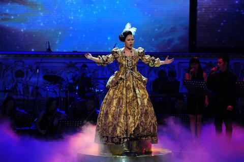 Khánh Linh trong liveshow 1 cuộc thi hát opera Chinh phục đỉnh cao. Ảnh: Lý Võ Phú Hưng.