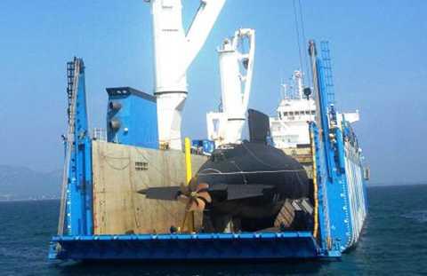 Ngày 2/1/2013, những hình ảnh mới nhất về Kilo Hà Nội trên tàu mẹ Rolldock Sea xuất hiện