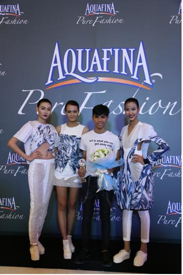 Nguyễn Minh Giang Tú – quán quân cuộc thi Aquafina Pure Fashion 2013 sẽ đại diện Việt Nam dự hoạt động International Fashion Showcase  tại London Fashion Week  vào 2/2014.