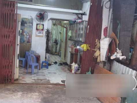 Nhìn từ bên ngoài, căn hộ của vợ chồng nghệ sỹ Tuấn Dương giản dị đến ngỡ ngàng.