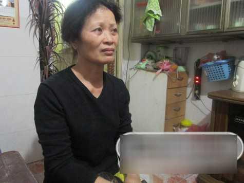 Vợ nghệ sỹ Tuấn Dương, bà Thuý Nga nghẹn ngào chia sẻ trong nước mắt