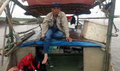 Anh Nguyễn Hữu Huy trong lần tìm kiếm suýt chết