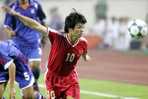 Văn Quyến cùng các đồng đội từng hạ U23 Campuchia 6-1 ở SEA Games 23