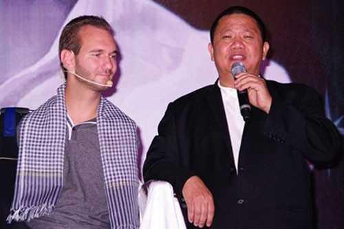 Tài sản cổ phiếu tăng hơn 2 lần trong năm   2013, chi 1,5 triệu USD mời chàng trai kỳ diệu nhất hành tinh đến Việt   Nam, Lê Phước Vũ là một doanh nhân ghi dấu ấn nổi bật trong năm.