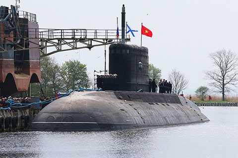 Việt Nam chuẩn bị tiếp nhận tàu ngầm Hà Nội.