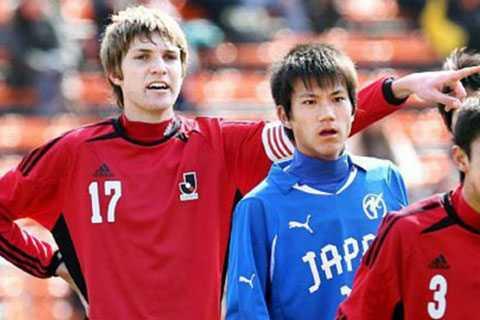 Nikki Havenaar - cây sào của U19 Nhật Bản