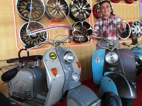 Nữ doanh nhân mê xe Nguyễn Hiển Hồng và bộ đội xe Lambretta cổ ưa thích.