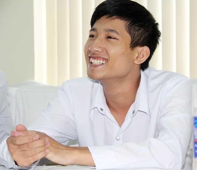 Thủ khoa Nguyễn Hữu Tiến