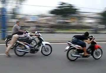 Tình trạng đua xe, tụ tập gây rối nhen nhóm trở lại ở các cung đường nóng một thời.