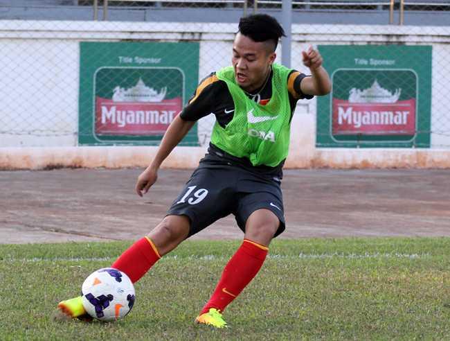 Sau giải đấu kể trên, Phi Sơn có biệt danh Ronaldo Việt và được gọi lên đội 1 SLNA